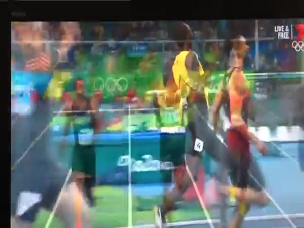 Bolt And De Grasse Exchange Smiles During 200 M Semifinal At Rio