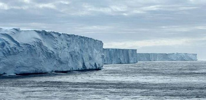 Photos Of The World's Oldest Icebergs That Will Take Your Breath Away (19 pics)