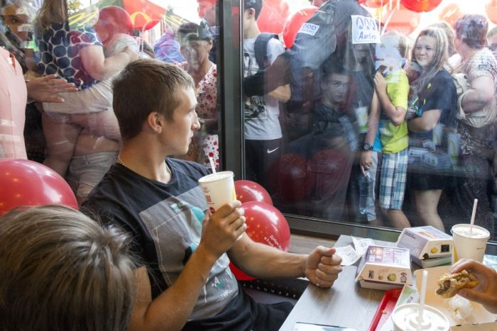 First McDonald's Opens In The Russian City Of Tomsk (3 pics)