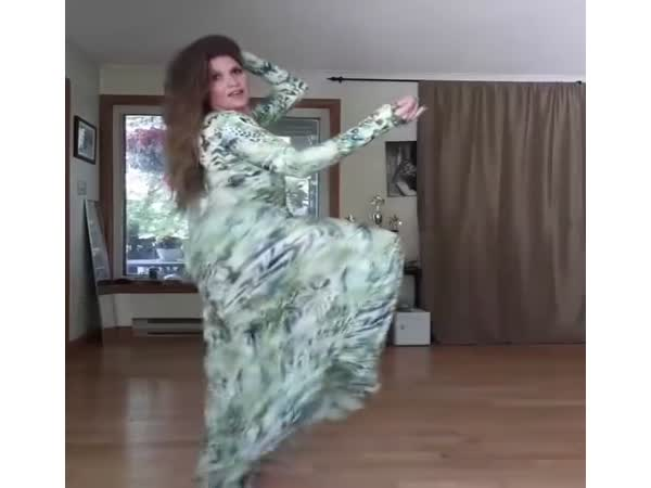 This Wooman Knows How To Dance