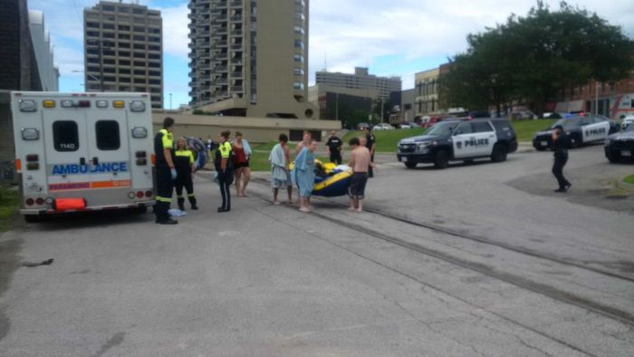 Hundreds Of Drunk Americans Accidentally Wash Ashore In Canada (4 pics + video)