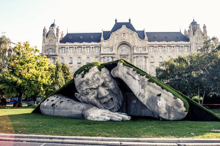 The Most Astounding And Creative Sculptures This World Has To Offer (40 pics)