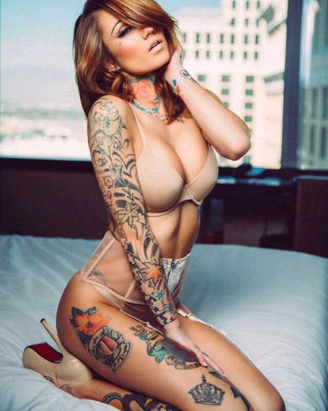 Sexy Girls Who Like Ink Are Irresistible (57 pics)