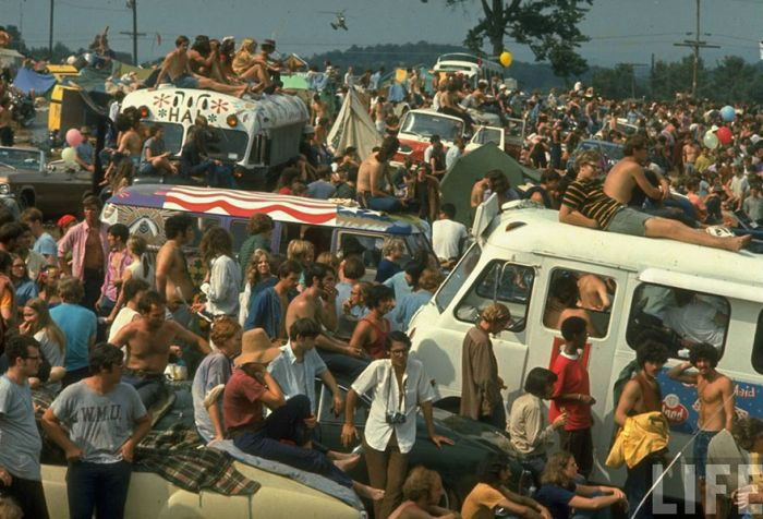 Photos That Show What It Was Like To Be At Woodstock In 1969 (43 pics)