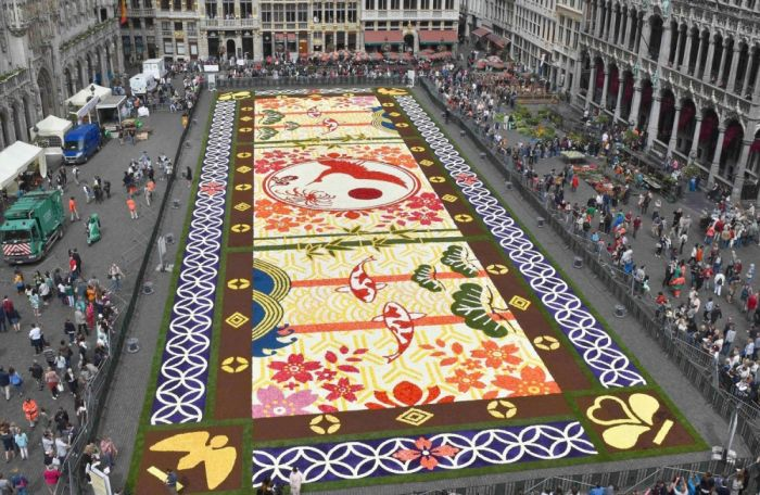 Brussels Is Now Covered By A Beautiful Flower Carpet (9 pics)