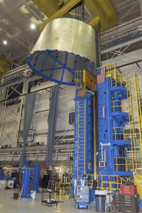 See What It Takes To Build A Massive Rocket Fuel Tank (16 pics + video)