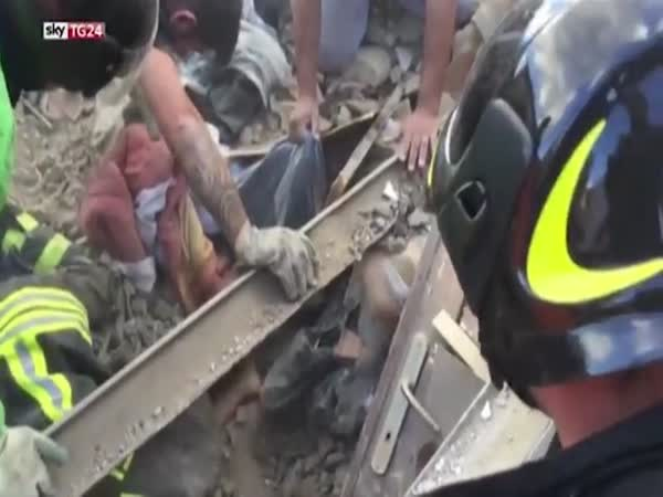Girl 10 Rescued From Rubble 17 Hours After Italian Earthquake That Killed 247