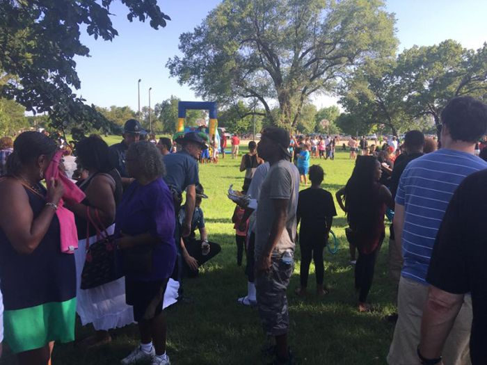 Kansas Cops Throw A Cookout In Honor Of Equality (13 pics)