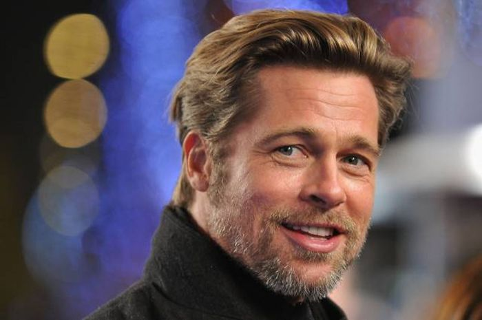 Here's How Much The 10 Highest Paid Actors In The World Are Making (11 pics)