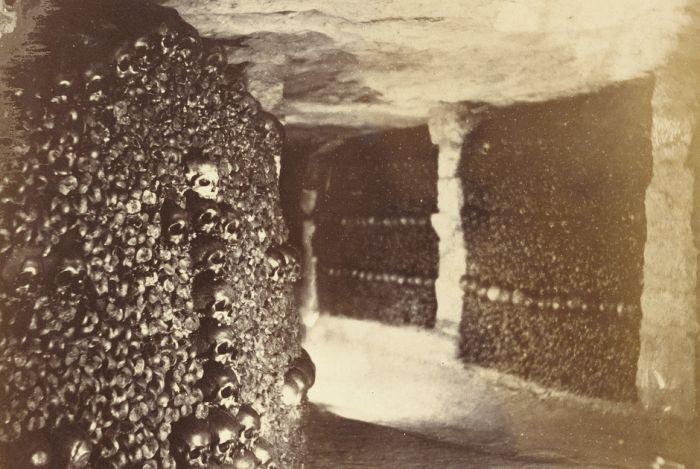 Creepy Vintage Photos Of The Paris Catacombs (14 pics)