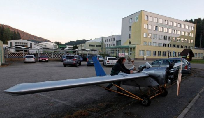 Mechanic Takes To The Skies In His DIY Airplane (13 pics)