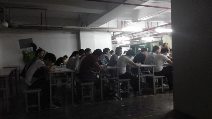 Apple Brings In Big Money, But Workers In China Aren't Seeing Much Of It (6 pics)