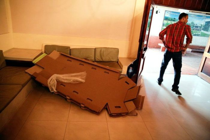 Cardboard Coffins Are Really Catching On (8 pics)