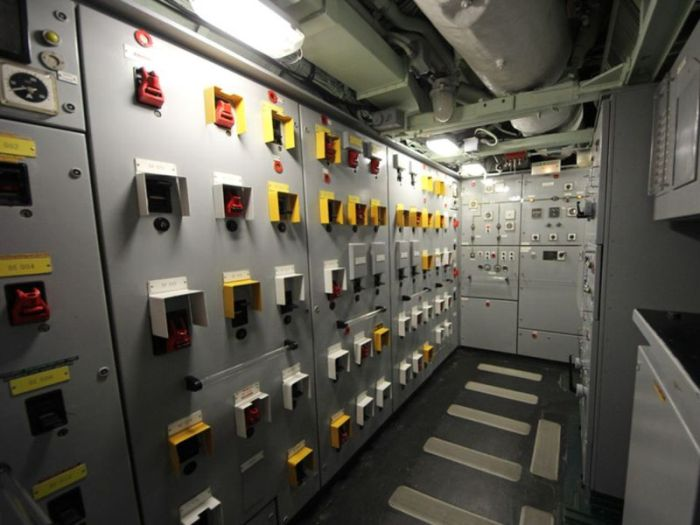 Nuclear Submarine Turned Into A Museum In France (36 pics)