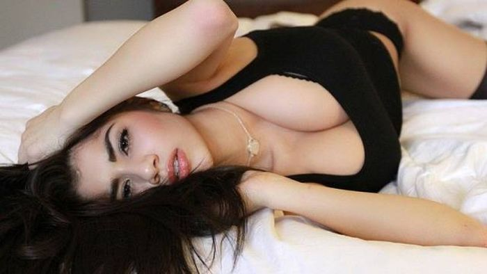 Sexy Asian Girls That Are Absolutely Stunning (50 pics)