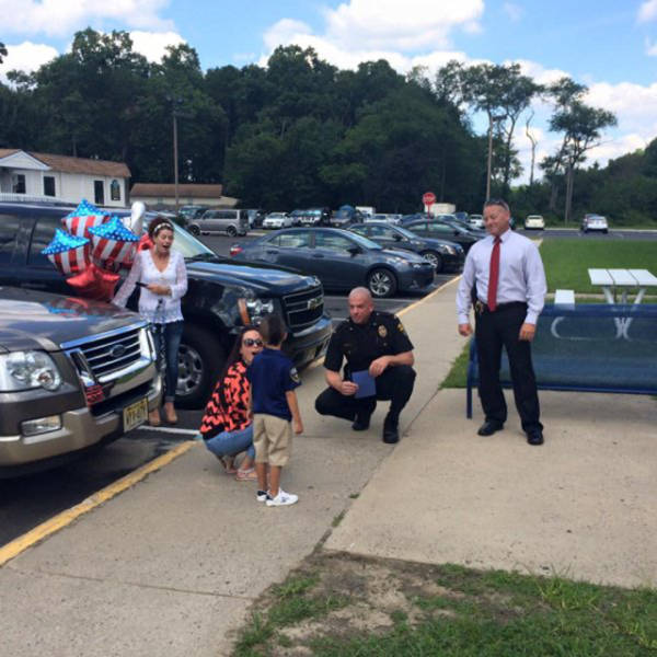 Young Boy Saves Up His Allowance For 5 Months To Surprise Police Officers  (8 pics)