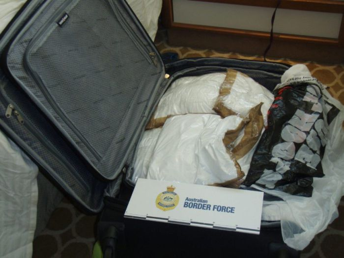 Canadian Cruise Ship Passengers Charged With Smuggling Cocaine (14 pics)
