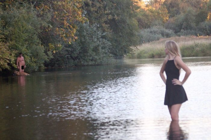 Girl's Senior Picture Gets Ruined By A Naked Man And A Dog (2 pics)