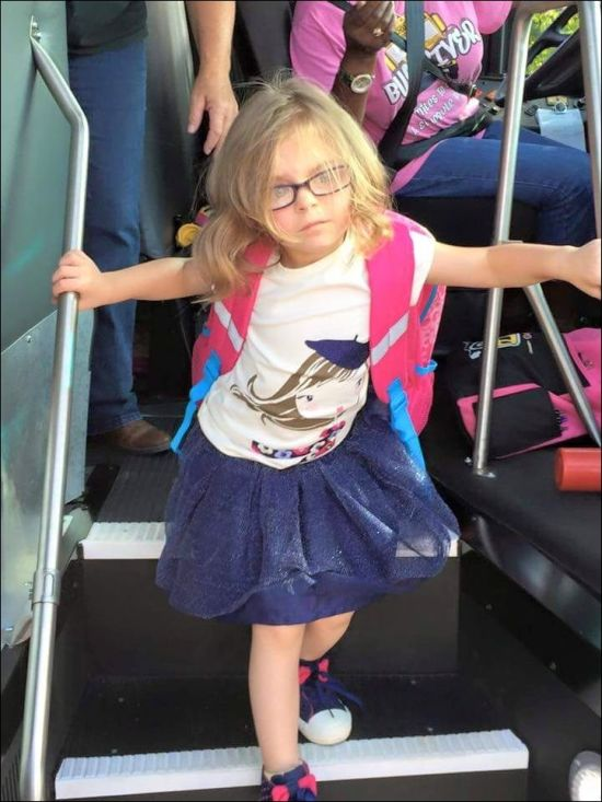 Girl's Reaction To The First Day Of School, Before And After (2 pics)