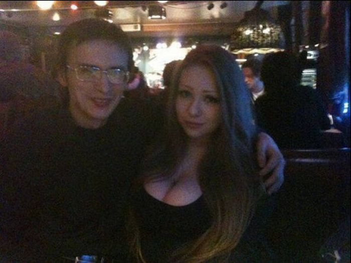 If These Nerds Can Get The Girl Then You Can Do It Too (33 pics)