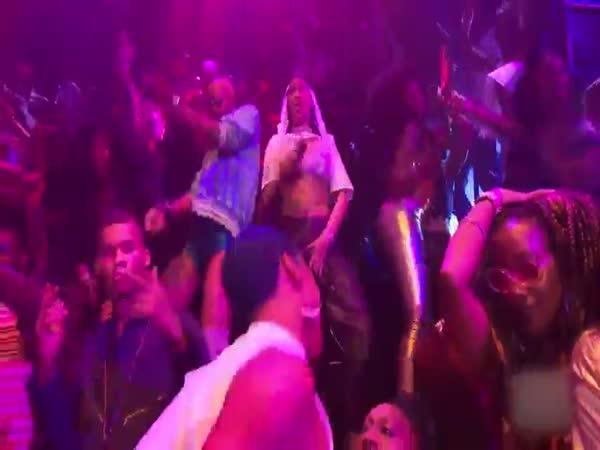 Rihanna Dances