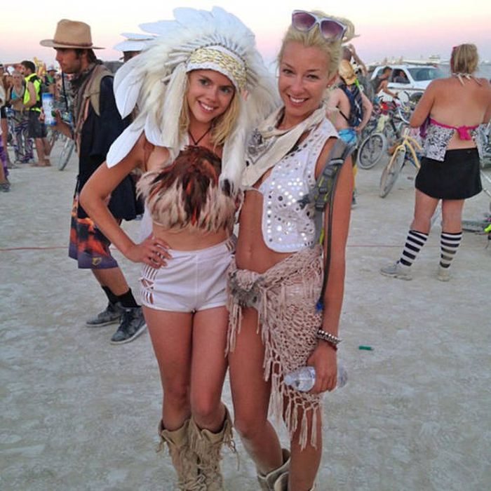 You Can Meet Some Beautiful Women At Burning Man Festival -6597