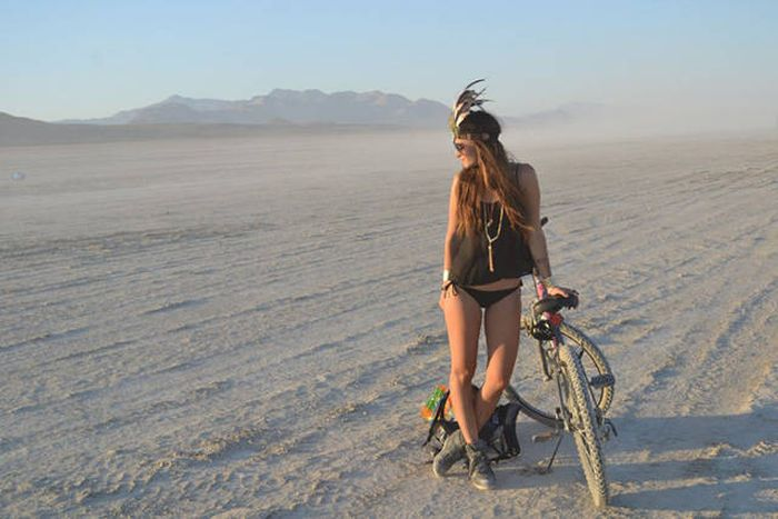 You Can Meet Some Beautiful Women At Burning Man Festival -2291