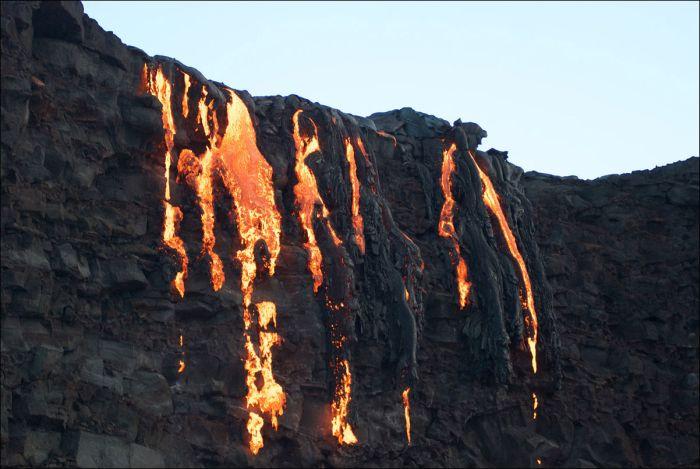 Lava From Kilauea Volcano In Hawaii Finally Reaches The Ocean (19 pics)