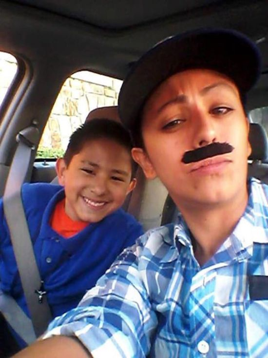 Single Mom Dresses Up As Dad So Her Son Could Attend Donuts With Dads Day (5 pics)