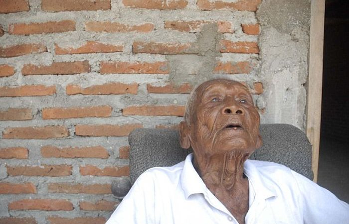 Man Claiming To Be World's Oldest Human Says He's Ready To Die (8 pics)