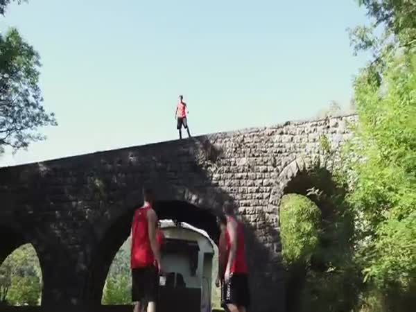Extreme Basketball Freestyle Slam Dunks On Speeding Train