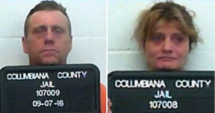 Horrifying Photos Show Heroin Addicted Parents Passed Out In Car (3 pics)