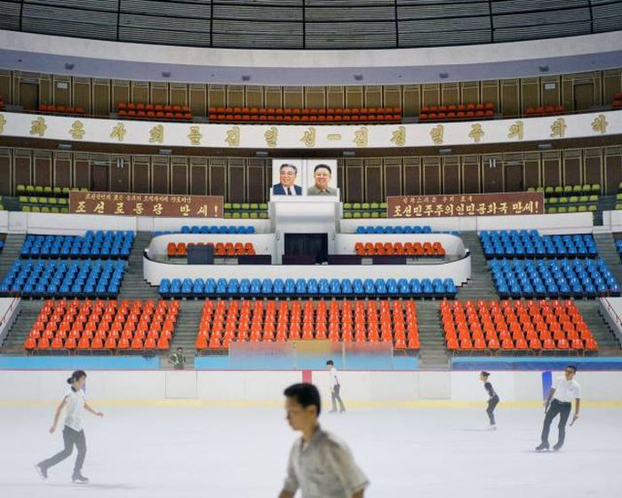 Fascinating Photos From North Korea's Architecture Tour Of Pyongyang (19 pics)