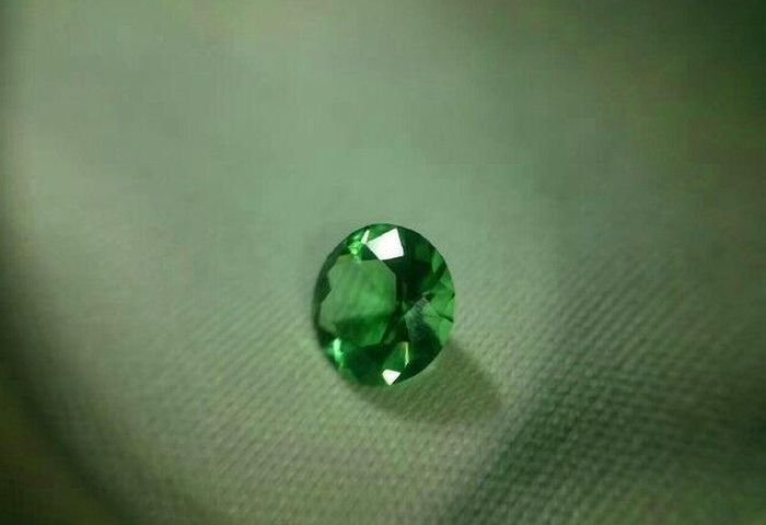 Guy Gets Creative When His Girlfriend Asks For A Big Diamond (7 pics)