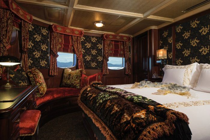 Take A Look Inside Harry Potter Author JK Rowling's Luxury Yacht (9 pics)