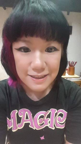 Woman's Failed Attempt At Ombre Hair Turns Into A Nightmare (7 pics)