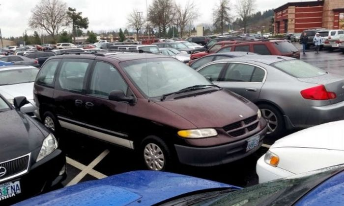 Parking Lot Revenge Is The Sweetest Kind Of Revenge There Is (35 pics)