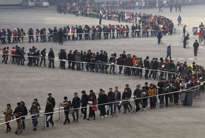 China Is Packed From End To End With People (21 pics)