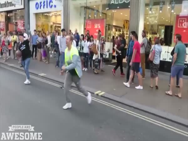 People Show Some Crazy And Awesome Physical Skills