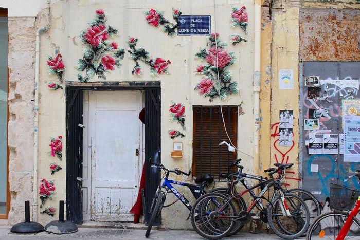 Raquel Rodrigo Creates Amazing Cross-Stitch Street Art In Madrid (10 pics)