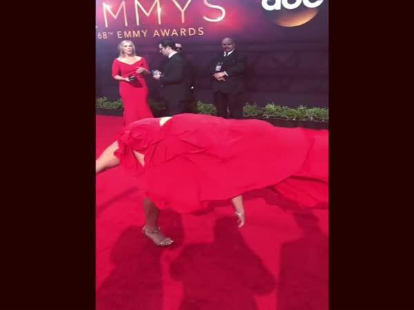 American Ninja Warrior's Jessie Graff Stuns At 2016 Emmy Awards