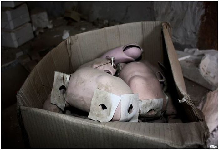These Photos From An Abandoned Doll Factory Will Fuel All Of Your Nightmares (18 pics)