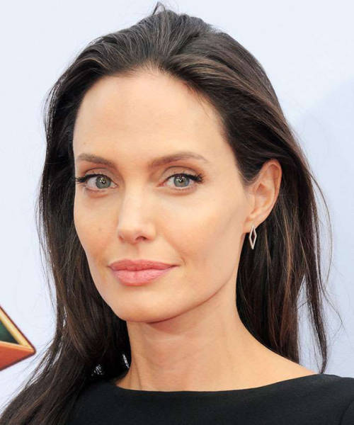 Looking Back At How Much Angelina Jolie Has Changed Through The Years (22 pics)