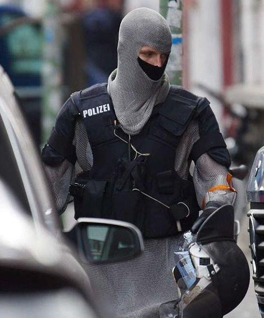 German Swat Team Members Get Chain Mail Like Anti-Knife Equipment (9 pics)
