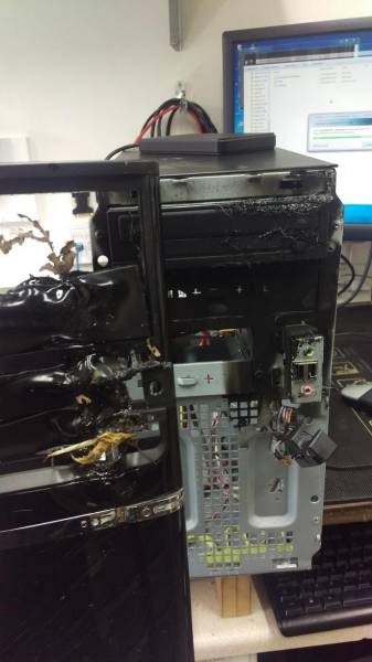 People Who Somehow Managed To Completely Wreck Their Electronics (46 pics)