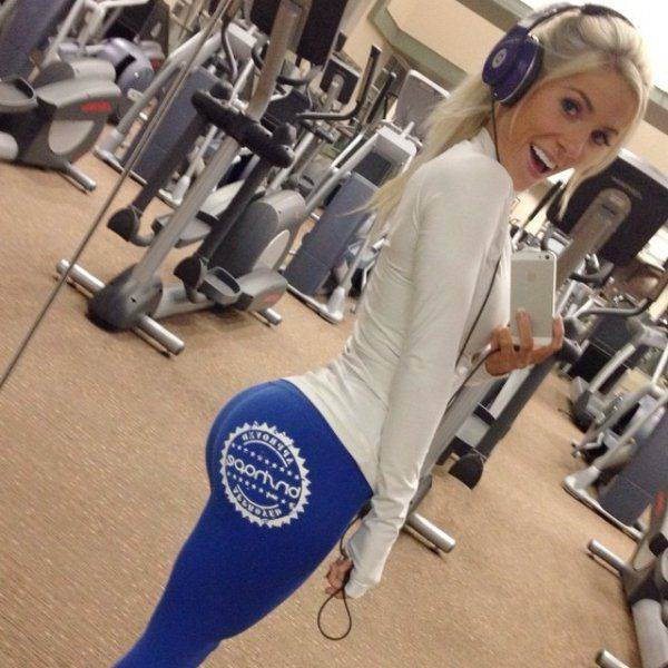 yoga pants 01 - סקסיות במכנסי ספורט (47 התמונות)