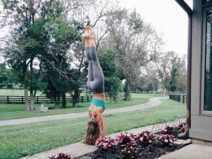 yoga pants 03 - סקסיות במכנסי ספורט (47 התמונות)