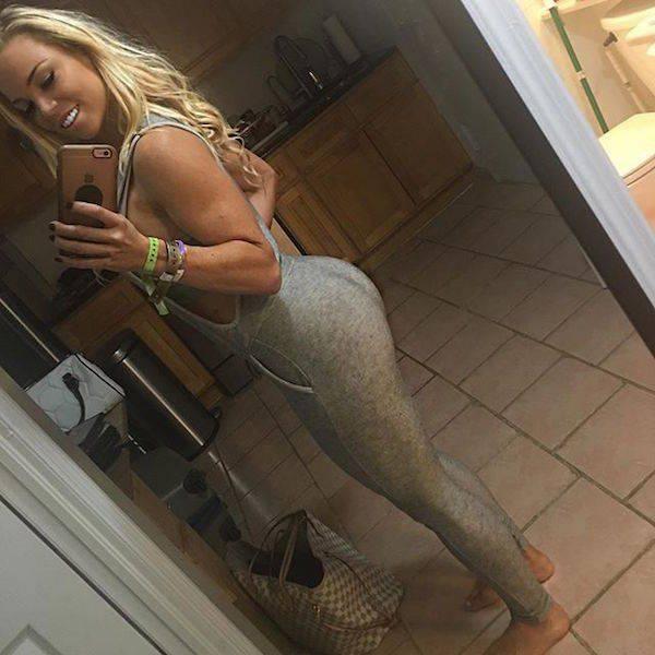 yoga pants 22 - סקסיות במכנסי ספורט (47 התמונות)