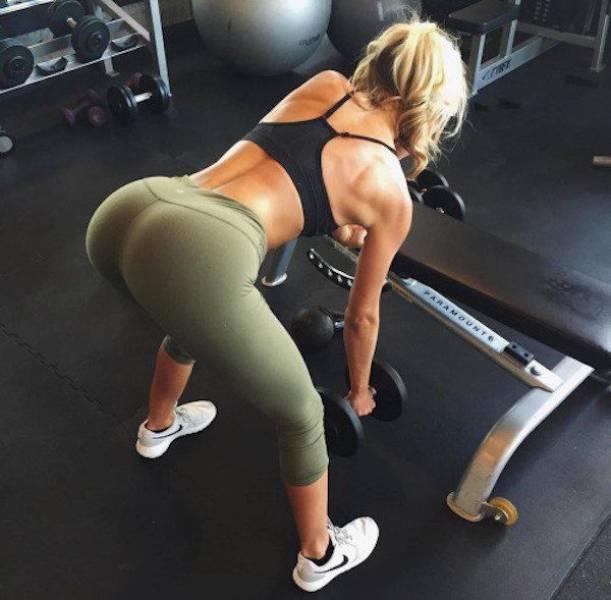 yoga pants 33 - סקסיות במכנסי ספורט (47 התמונות)