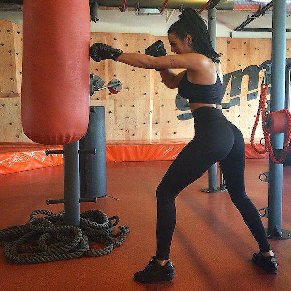yoga pants 36 - סקסיות במכנסי ספורט (47 התמונות)